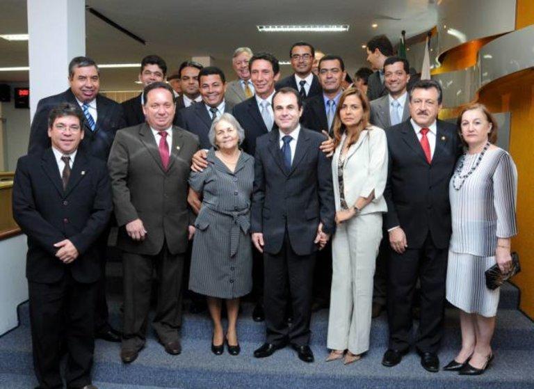 Senador e desembargador são homenageados na Câmara de Palmas ... 57a3a9d31a349